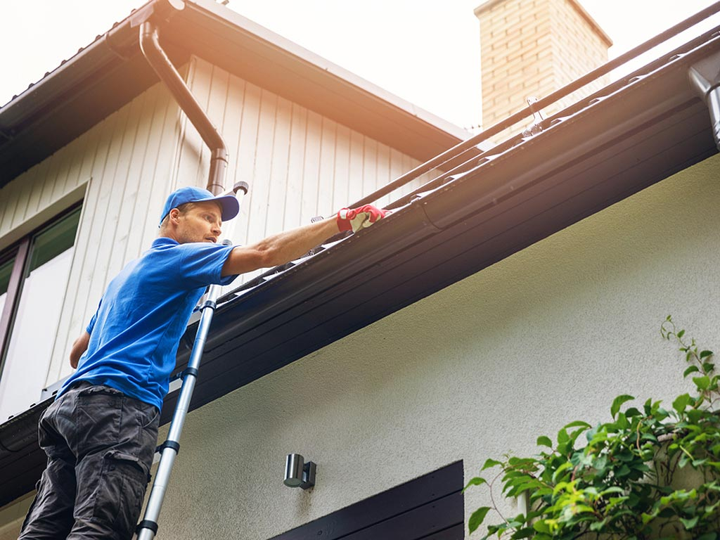 Learn How to Prepare for Professional Gutter Cleaning